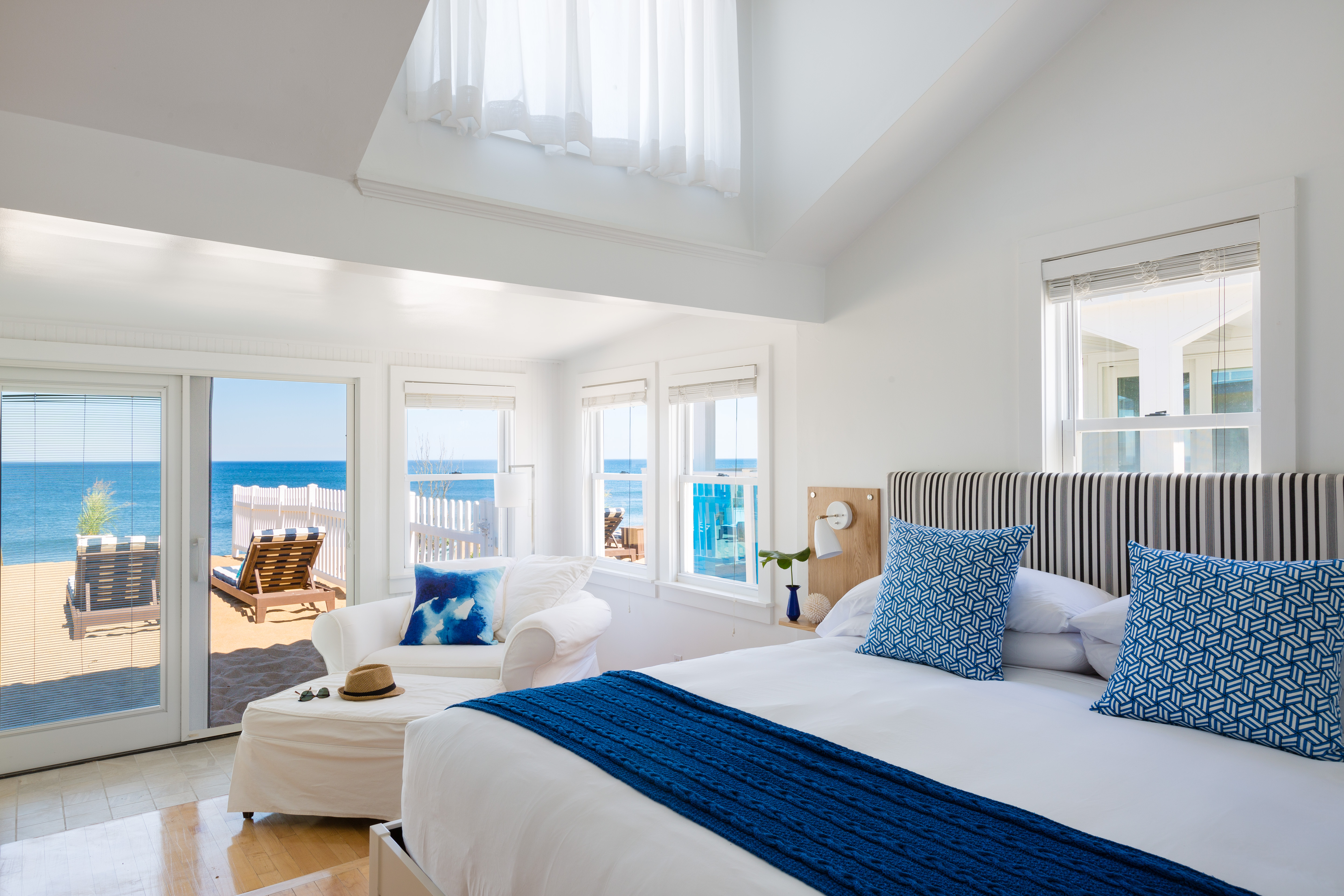 Blue Inn on the Beach   The Ultimate Newburyport Travel Guide   Catherine Chicotka