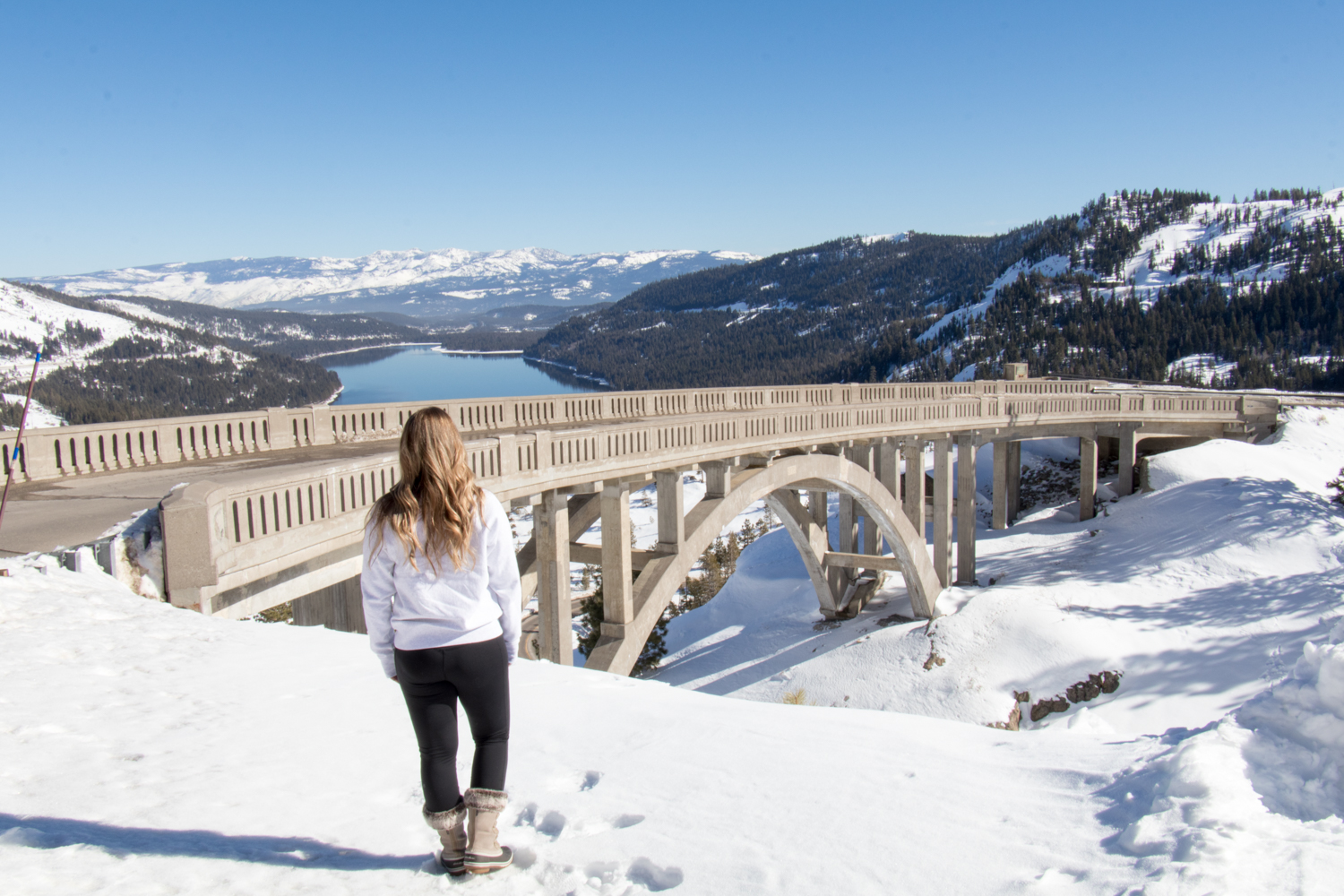 Donner Lake | Truckee | Donner Lake Overlook | Snowy Weekend in Lake Tahoe | Catherine Chicotka